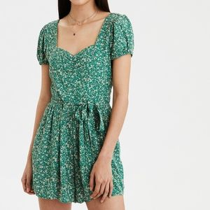 🌼American Eagle Green Floral Romper🌼